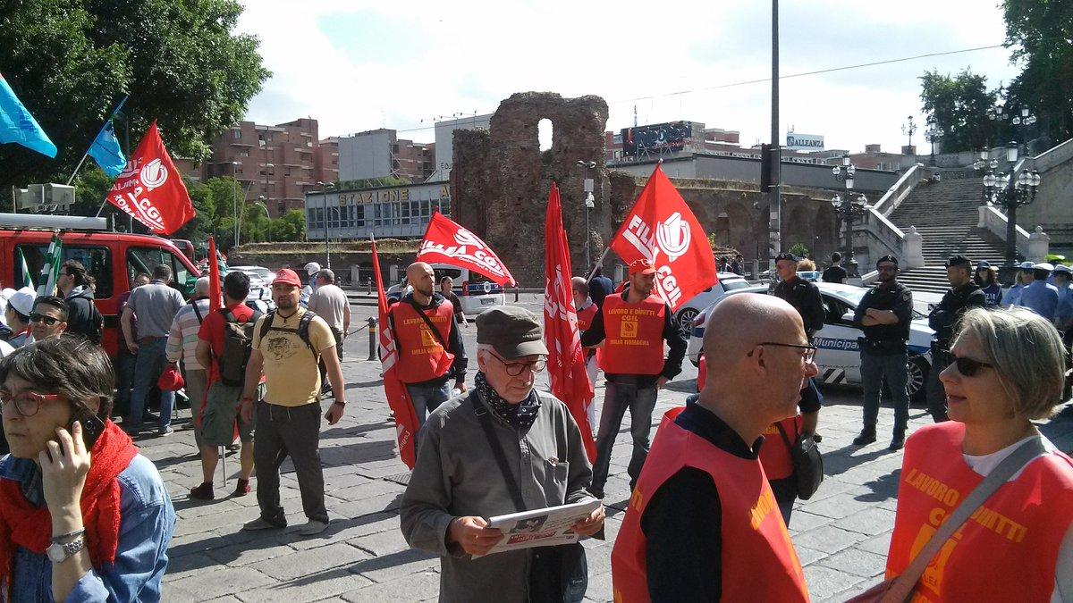 """""""Pensioni, lavoro, contratti"""" manifestazione edili Bologna, 25.5.17"""