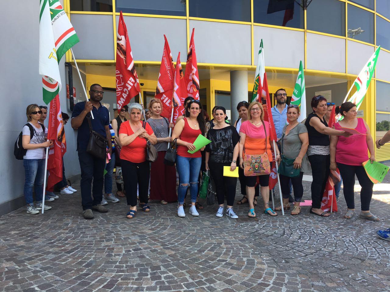 presidio solidarietà lavoratrici Cir ospedale Sassuolo