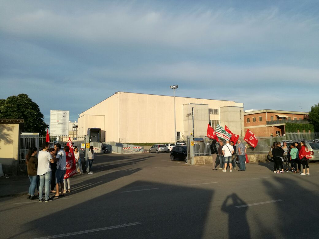 sciopero lavoratori appalto Alma Bellentani Vignola, 1.6.17