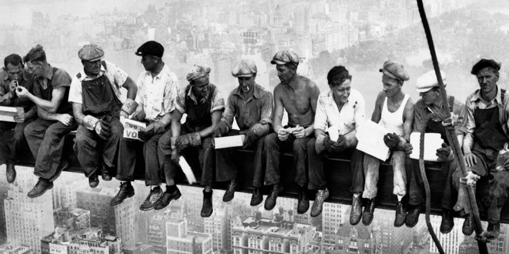 pranzo in cima grattacielo