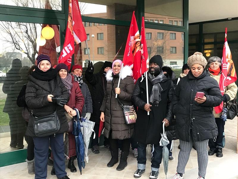 sciopero con presidio appalti pulizie Poste Italiane, 6.2.18