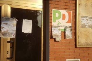 atti vandalici sede Pd Carpi - 6/9/2018
