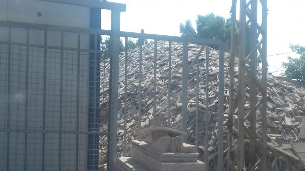 (7) Posto di controllo stretto check point. Casa bombardata mese scorso, 19.9.18
