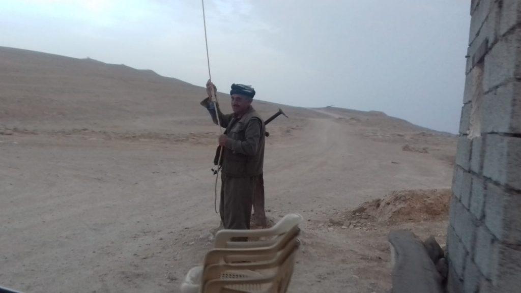 Presidio kurdi sulle montagne che controllano la sicurezza di Mahmura,1.10.18