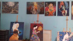 La coop donne apre anche un centro allievi di pittura
