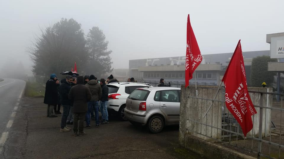 Presidio Frama Action a Novi contro la chiusura ed i licenziamenti