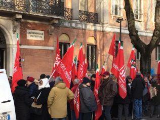 Presidio davanti alla Prefettura di Modena per la mancata indicizzazione delle pensioni - 28/12/2018