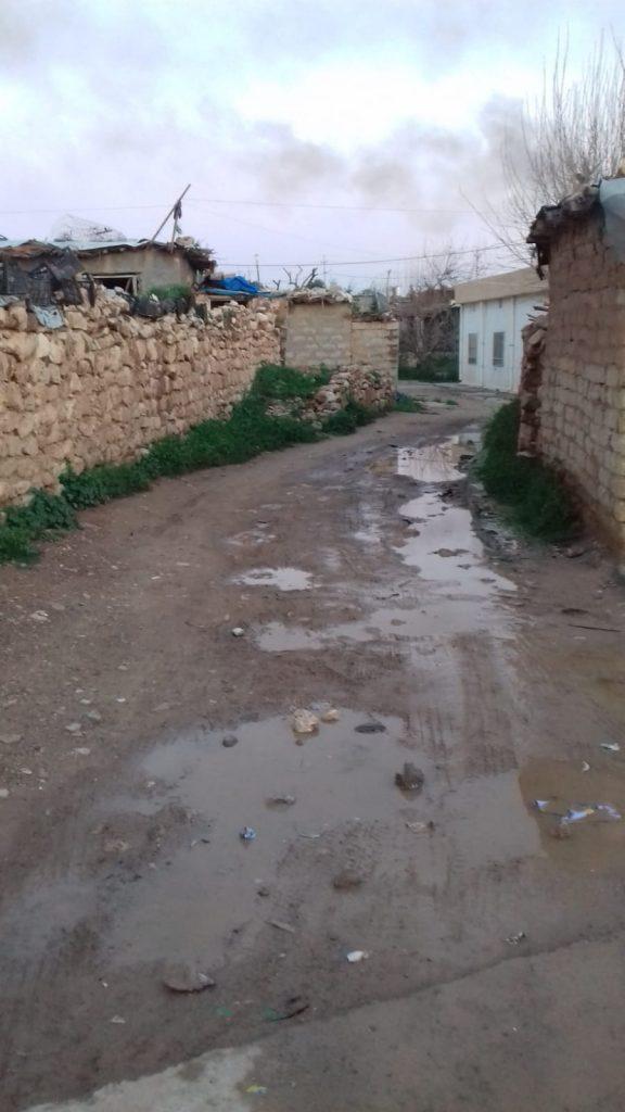Con un po' di pioggia il villaggio Makhmura diventa molto fangoso