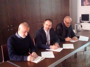 (da sx) Giorgio Benincasa (Cgil), il sindaco di Carpi Alberto Bellelli e Claudio Mattiello (Cisl)