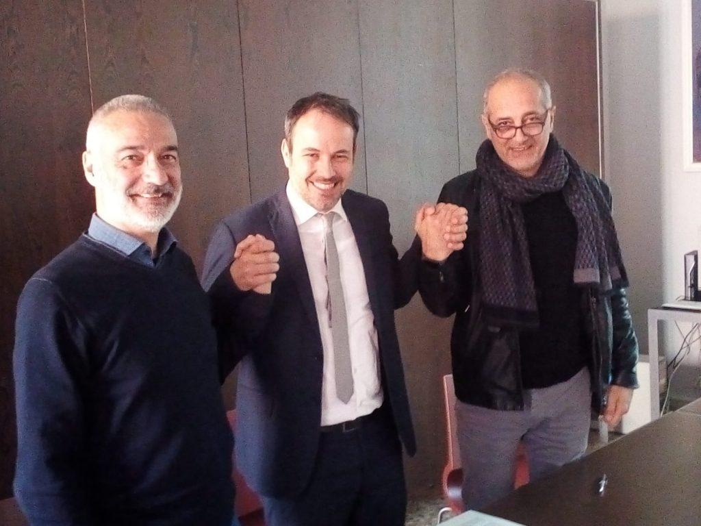 (da sx) Giorgio Benincasa (Cgil), il sindaco di Carpi Alberto Bellelli e Claudio Mattiello (Cisl) IN PIEDI