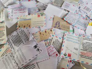 le lettere raccolte durante la passeggiata democratica contro esternalizzazione nidi (1)