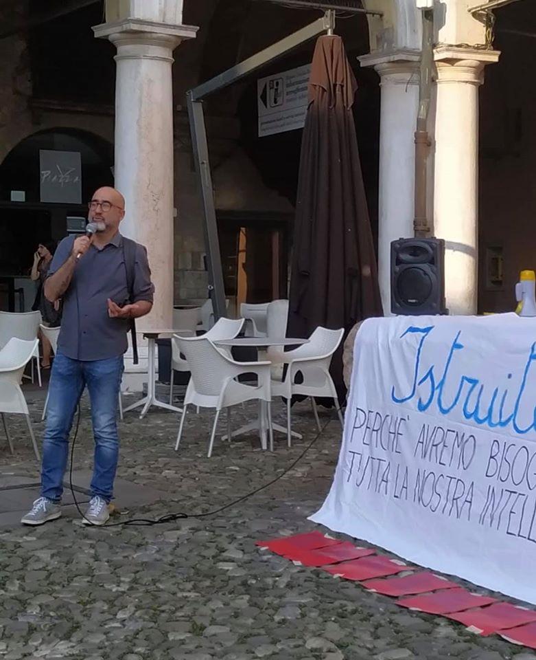 priorità alla scuola, piazza Grande Modena 25.6.20