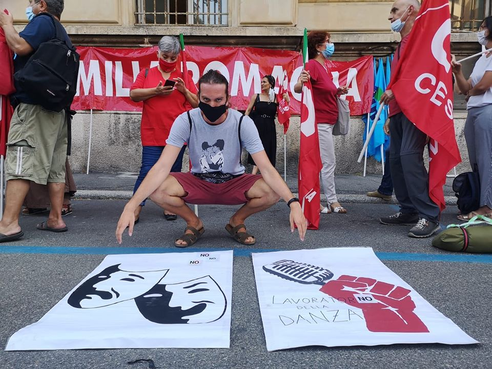 manifestazione c/o Inps per indennità lavoratori esclusi dagli ammortizzatori, 29.7.20 Bologna