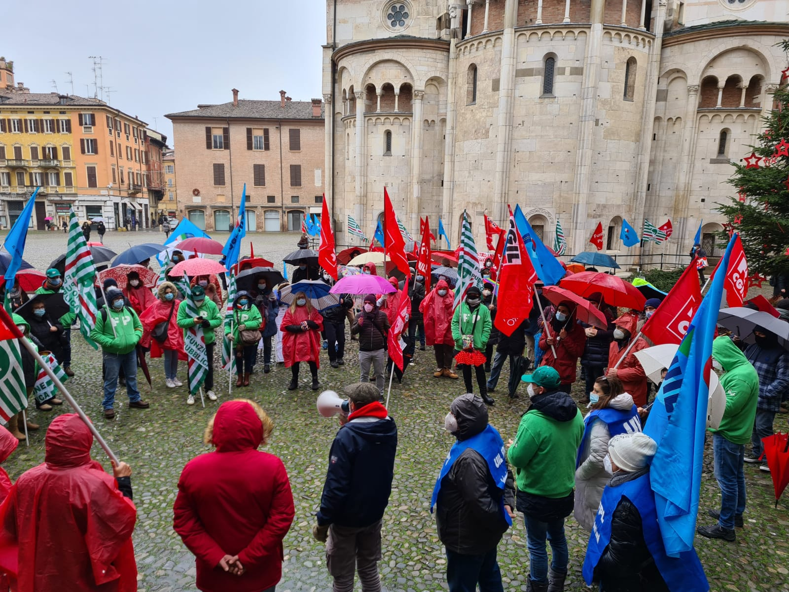 sciopero+presidio Pubblico Impiego piazza Grande, 9.12.20