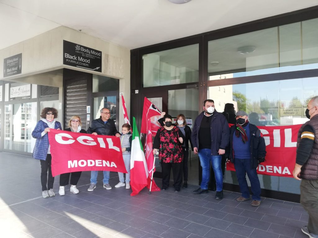 presidio antifascista Cgil Sassuolo 9.10.21