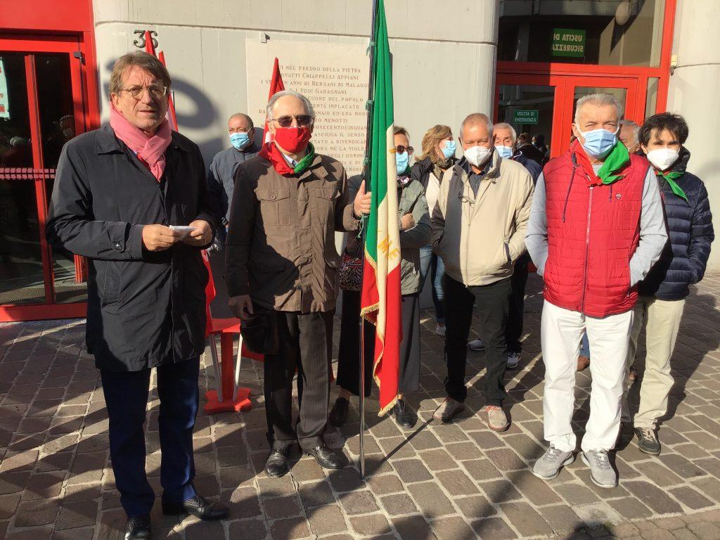 sindaco Muzzarelli con delegazione Anpi (2)